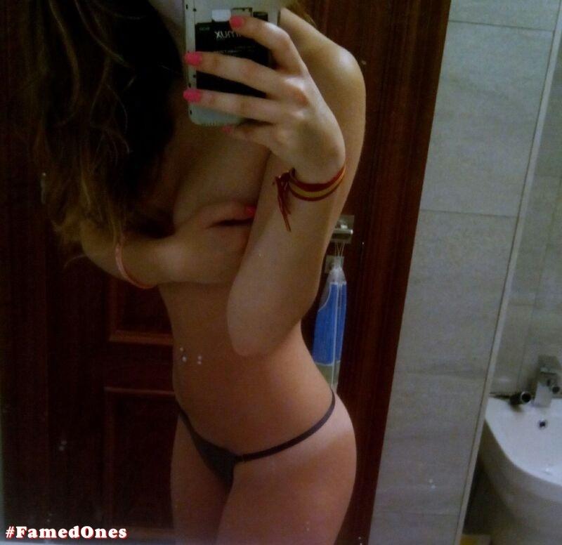 Ariana Grande naked pics FamedOnes.com 001 01