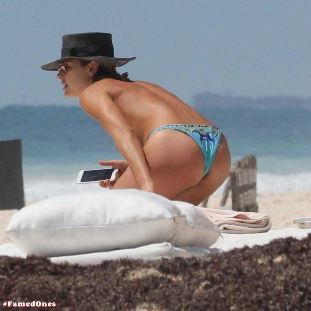 Ashley Hart hot pics FamedOnes.com 001 01