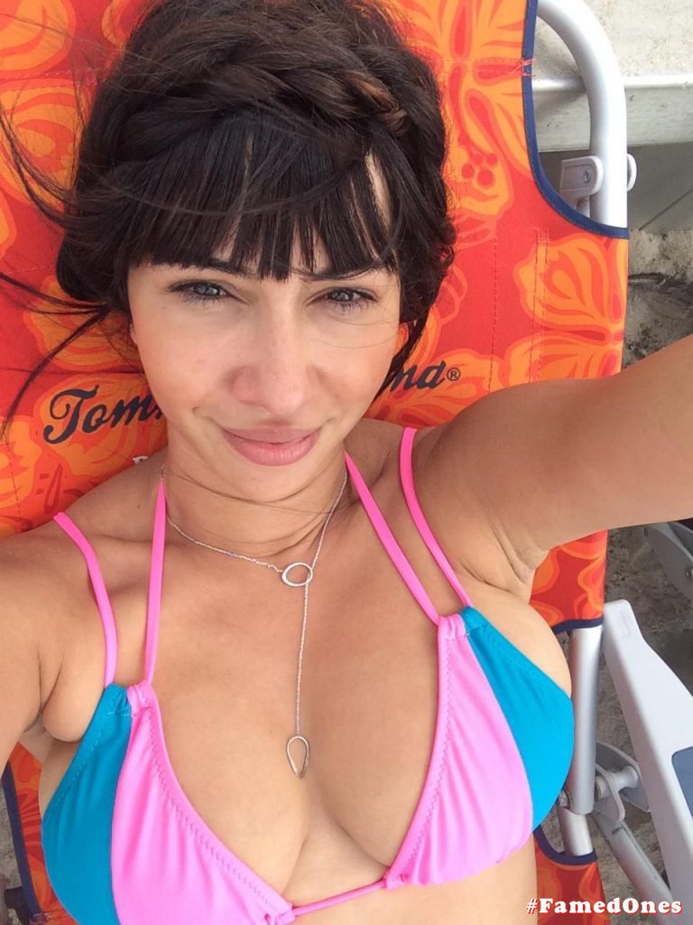 Jackie Cruz hot leaked pics FamedOnes.com 006 01