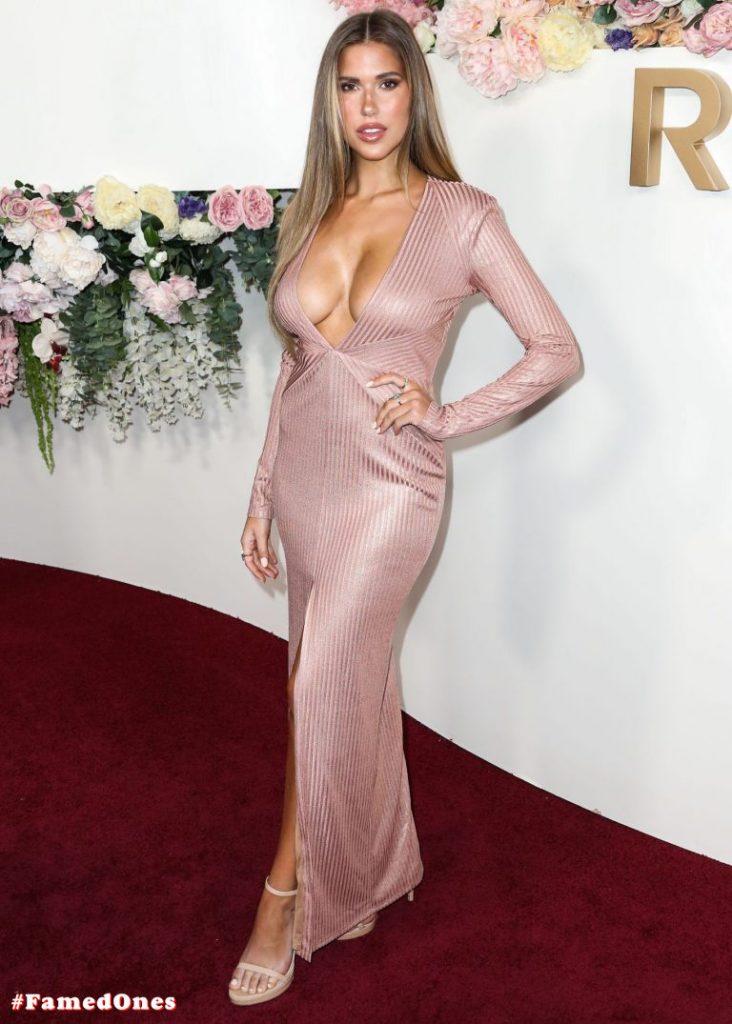 Kara Del Toro sexy cleavage pics FamedOnes.com 032 01