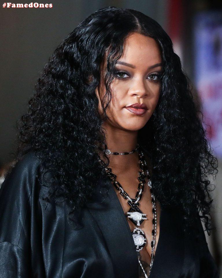 Rihanna braless sexy pics FamedOnes.com 078 01