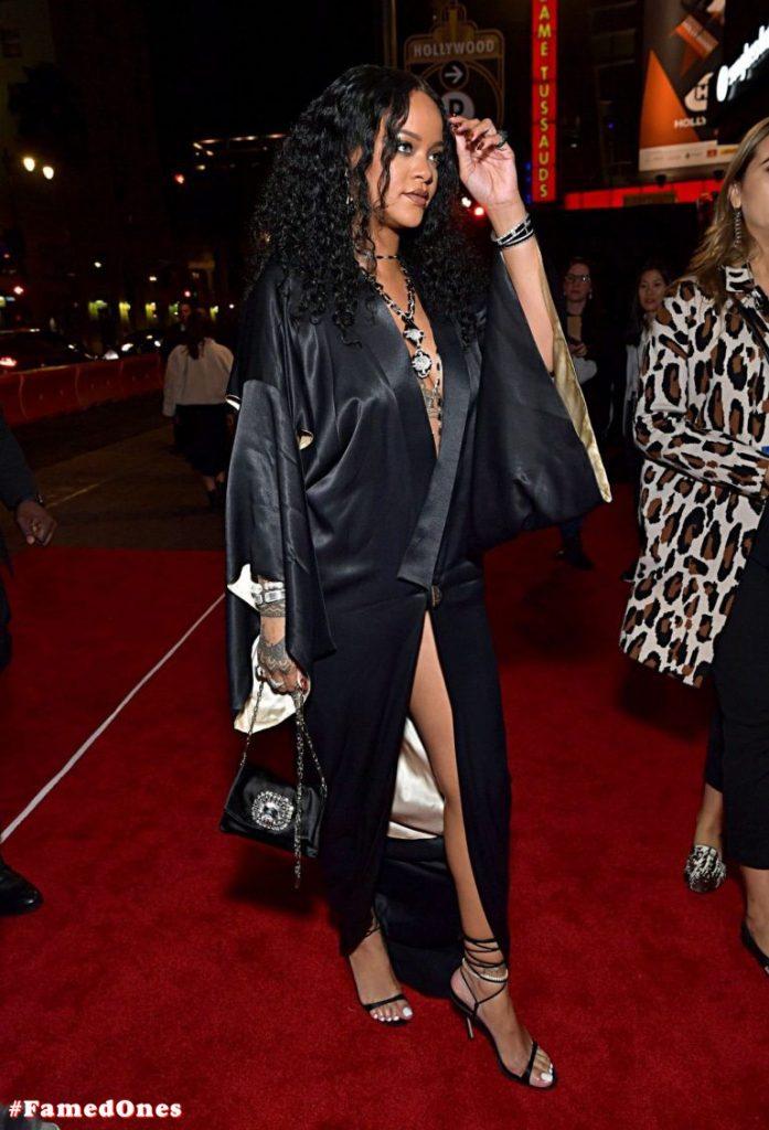Rihanna sexy pics FamedOnes.com 077 01