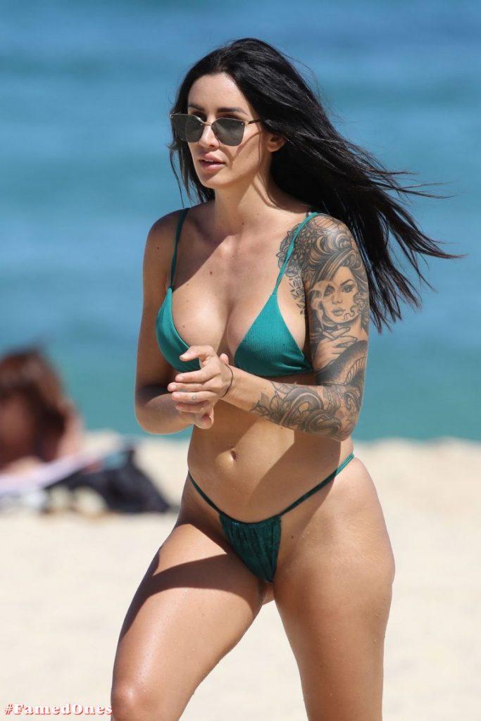 Vanessa Sierra hot bikini pics FamedOnes.com 004 36