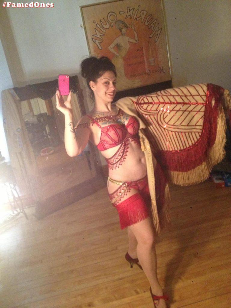 Danielle Colby hot leaked pics FamedOnes.com 010 01