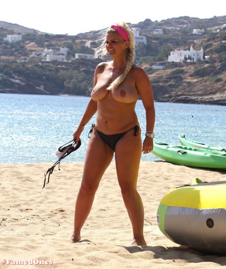 Kerry Katona topless pics FamedOnes.com 027 08