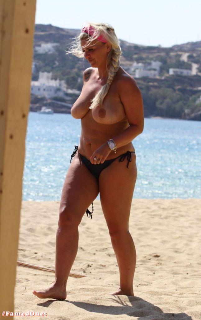 Kerry Katona topless pics FamedOnes.com 027 12