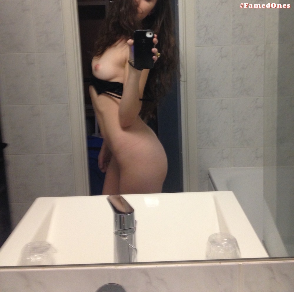Alexa Nikolas getting naked leaked self pics FamedOnes.com 005 01