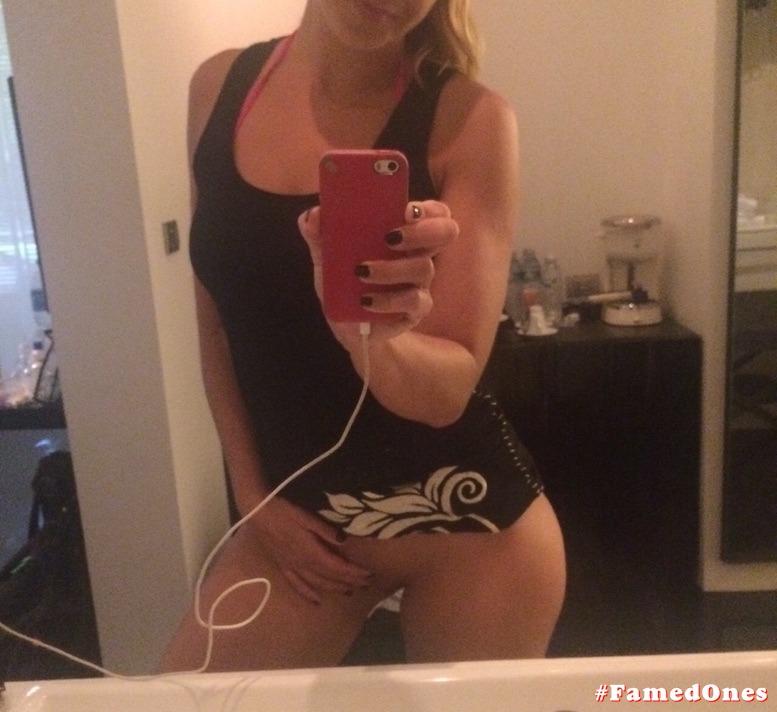Megan Wilson fondle leaked pics FamedOnes.com 014 01