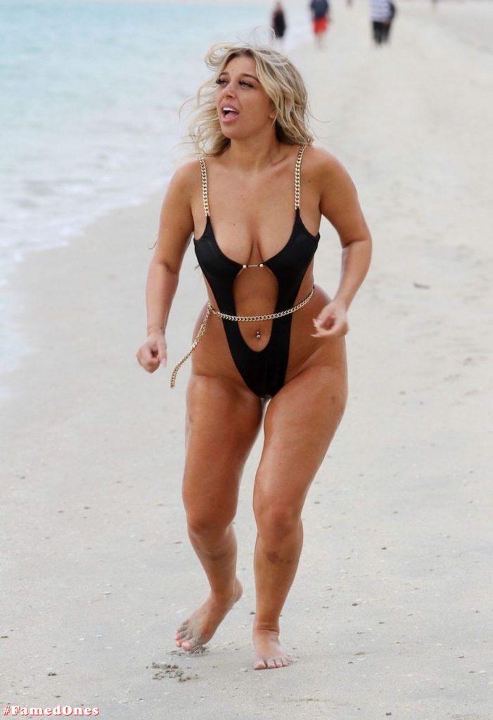 Bethan Kershaw hot bikini pics FamedOnes.com 010 41