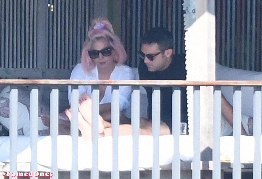 Lady Gaga undressed outdoor paparazzi pics FamedOnes.com 067 10