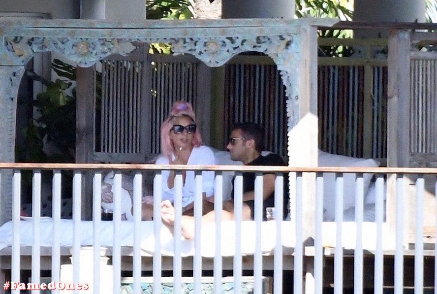 Lady Gaga undressed outdoor paparazzi pics FamedOnes.com 067 12
