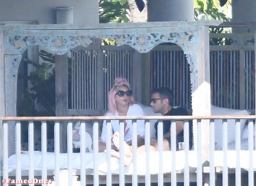 Lady Gaga undressed outdoor paparazzi pics FamedOnes.com 067 13