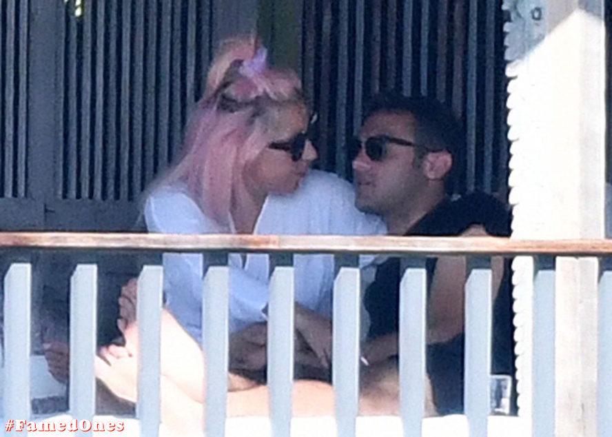 Lady Gaga undressed outdoor paparazzi pics FamedOnes.com 067 27