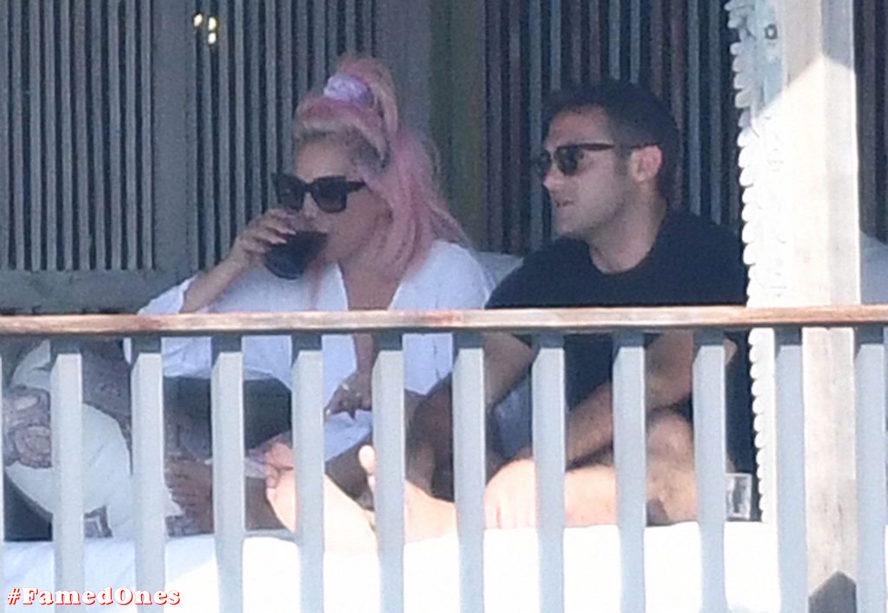 Lady Gaga undressed outdoor paparazzi pics FamedOnes.com 067 28