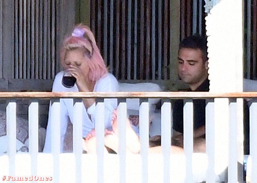 Lady Gaga undressed outdoor paparazzi pics FamedOnes.com 067 40