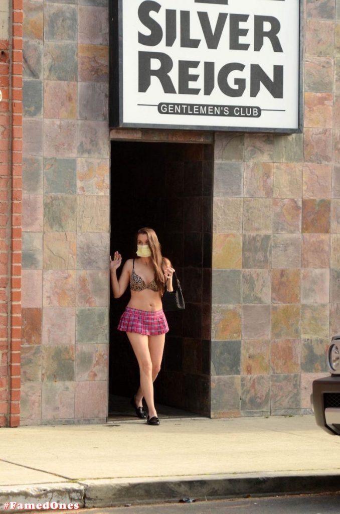 Alicia Arden mini skirt ass show fappening pics FamedOnes.com 039 17