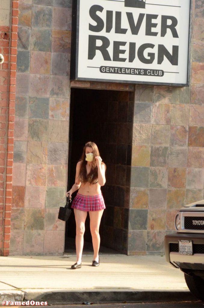 Alicia Arden mini skirt ass show fappening pics FamedOnes.com 039 18