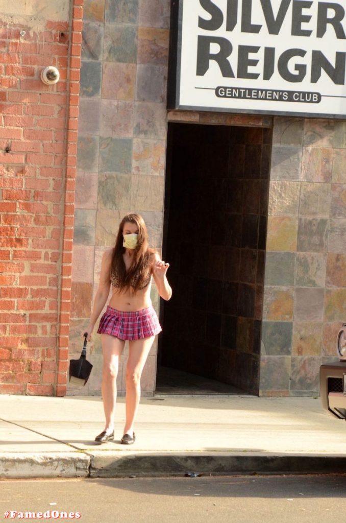 Alicia Arden mini skirt ass show fappening pics FamedOnes.com 039 20