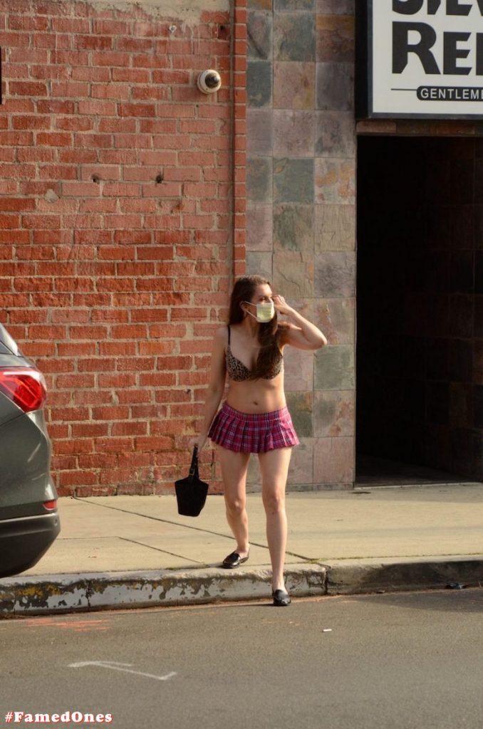 Alicia Arden mini skirt ass show fappening pics FamedOnes.com 039 22