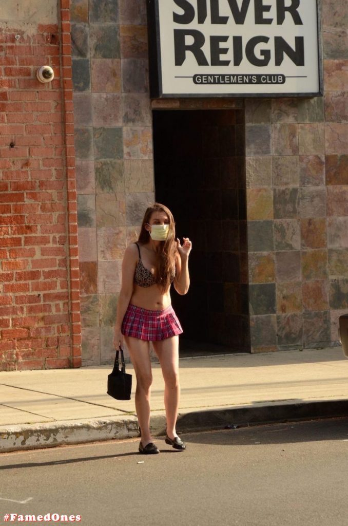Alicia Arden mini skirt ass show fappening pics FamedOnes.com 039 23