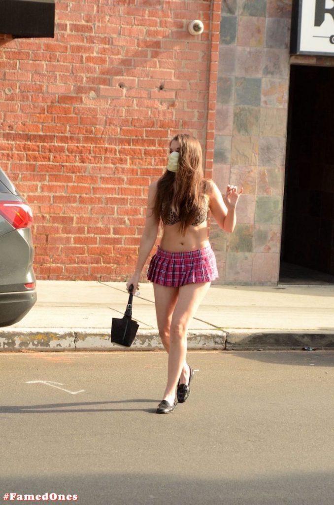 Alicia Arden mini skirt ass show fappening pics FamedOnes.com 039 33