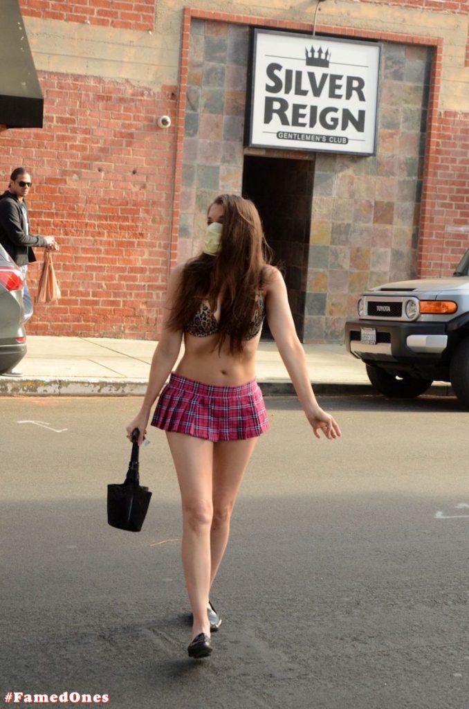Alicia Arden mini skirt ass show fappening pics FamedOnes.com 039 35