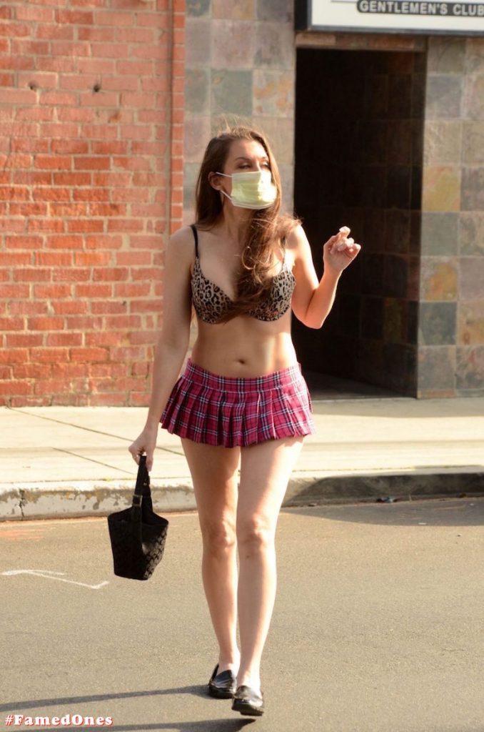 Alicia Arden mini skirt ass show fappening pics FamedOnes.com 039 38