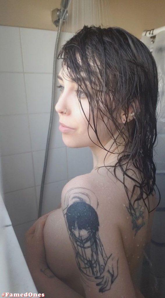 April Hylia akaWaifu nude fappening pics FamedOnes.com 002 01