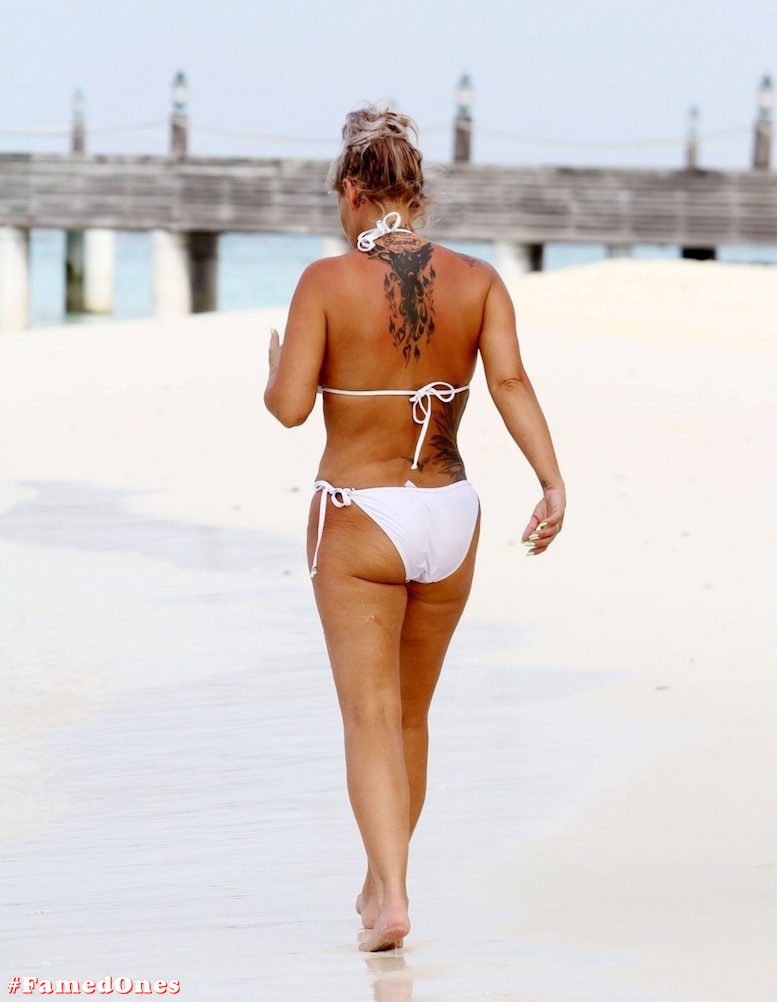 Kerry Katona bikini paparazzi pics FamedOnes.com 032 02