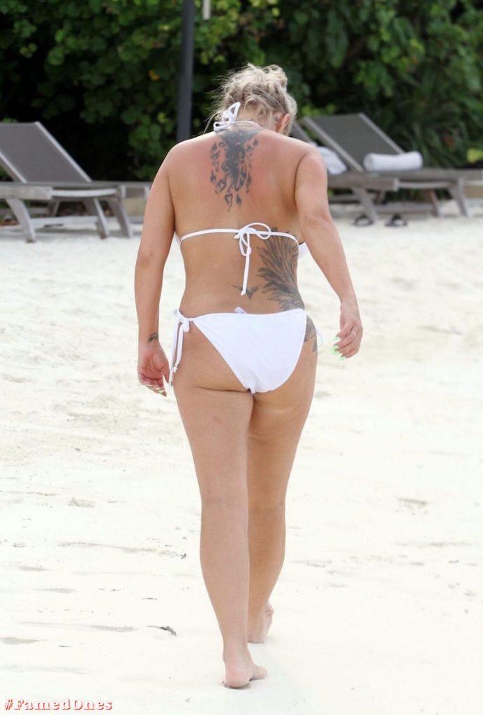 Kerry Katona bikini paparazzi pics FamedOnes.com 032 03