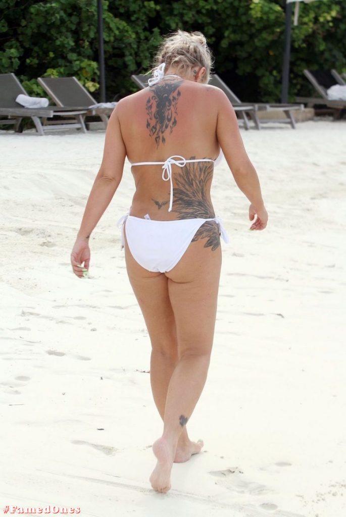 Kerry Katona bikini paparazzi pics FamedOnes.com 032 04