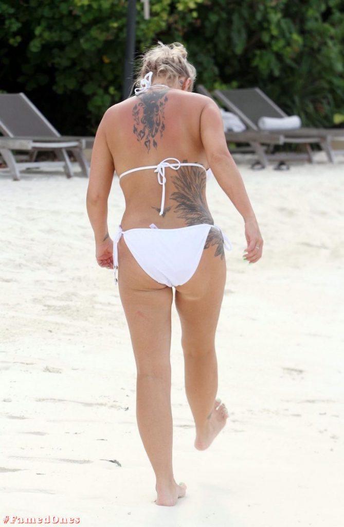 Kerry Katona bikini paparazzi pics FamedOnes.com 032 05