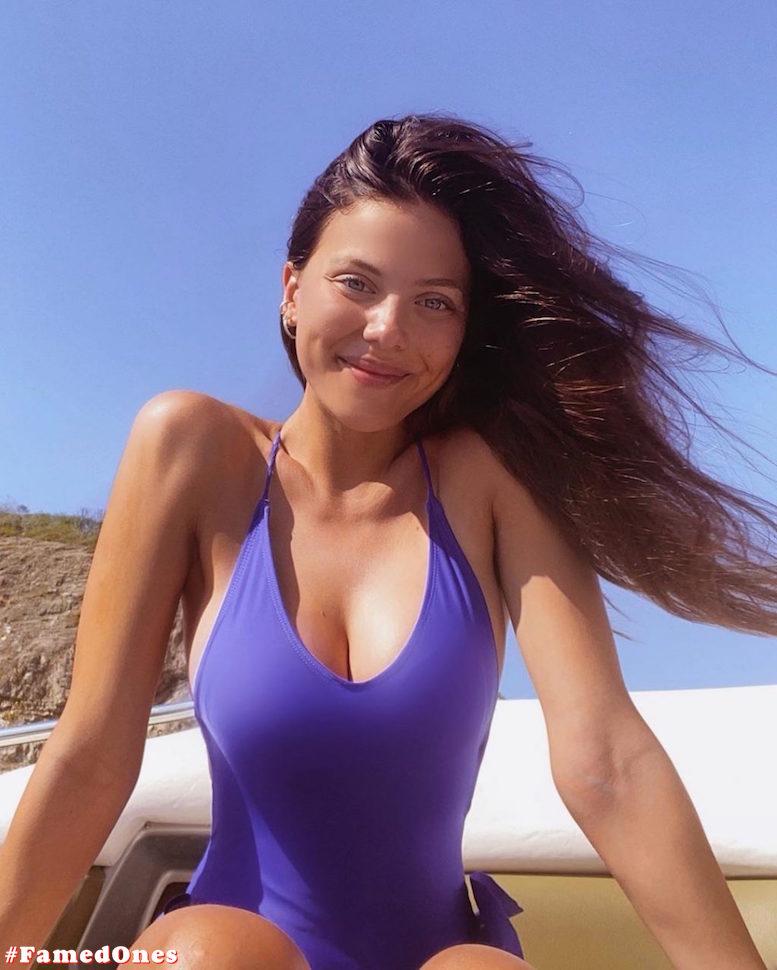 Laura Ortega hot bikini pics FamedOnes.com 004 03
