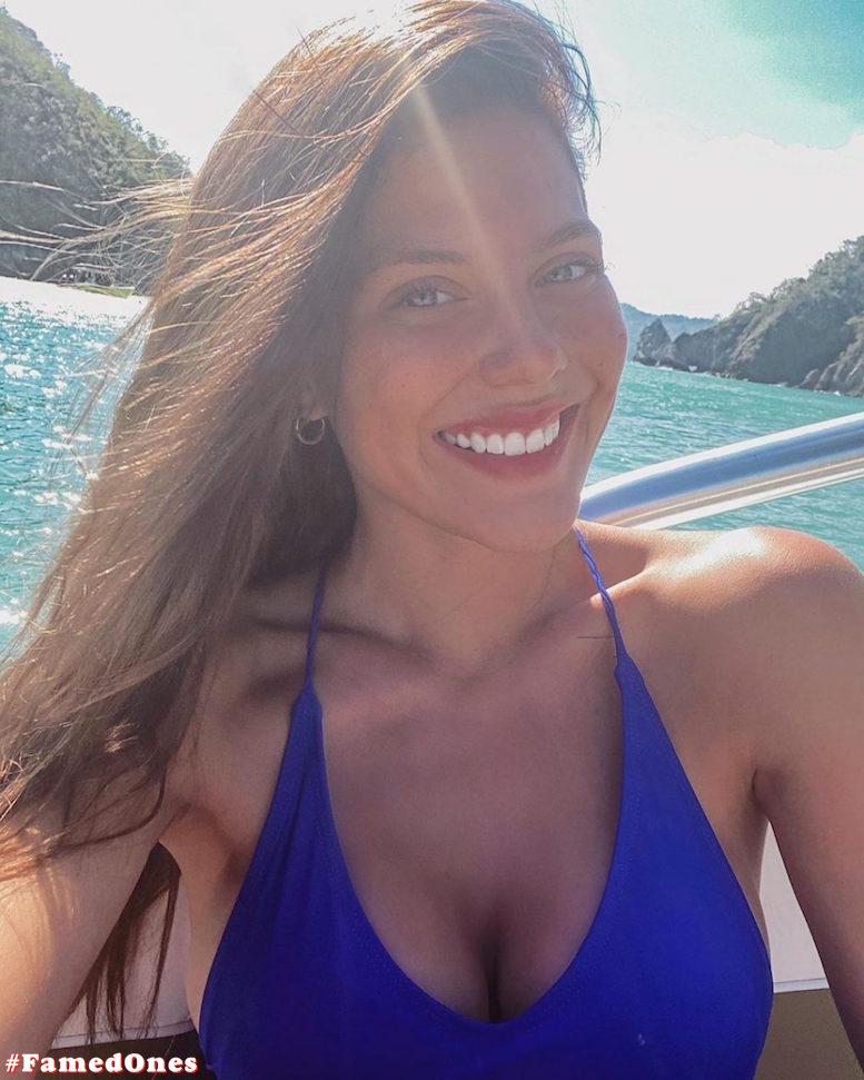 Laura Ortega hot bikini pics FamedOnes.com 004 04