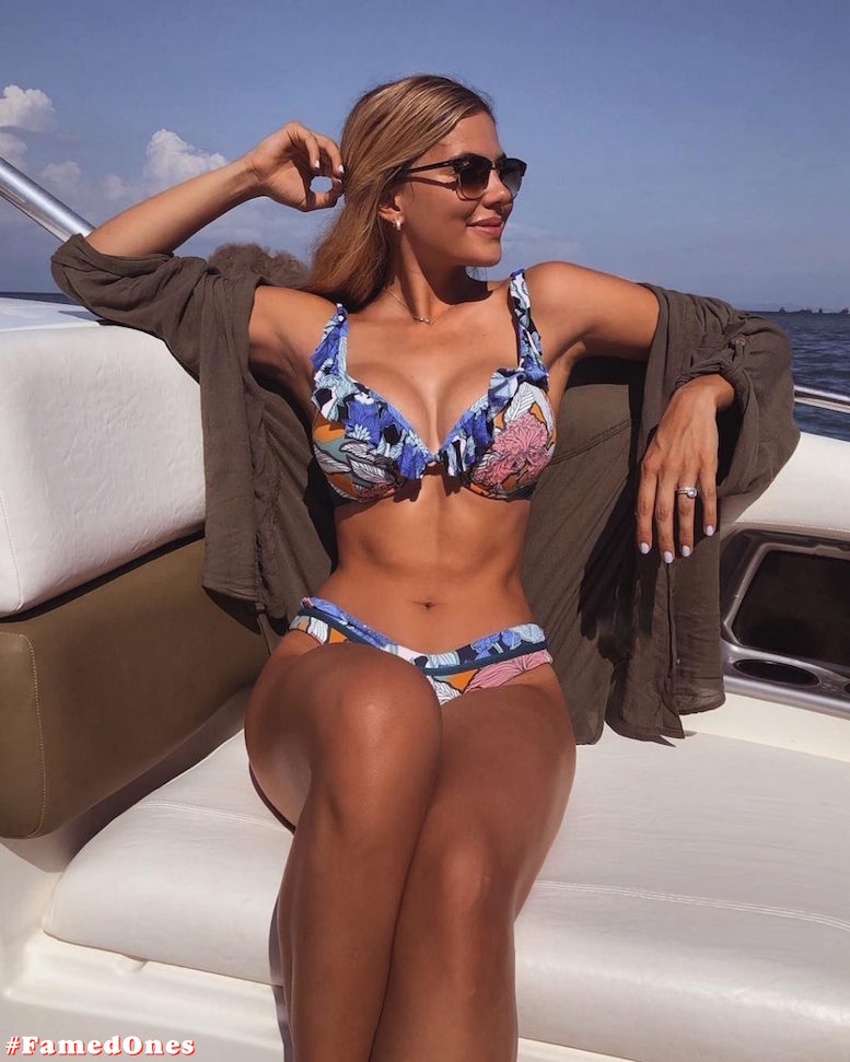 Laura Ortega hot bikini pics FamedOnes.com 004 07