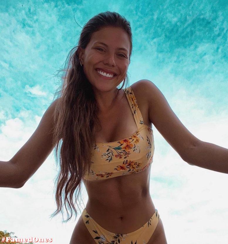 Laura Ortega hot bikini pics FamedOnes.com 004 17