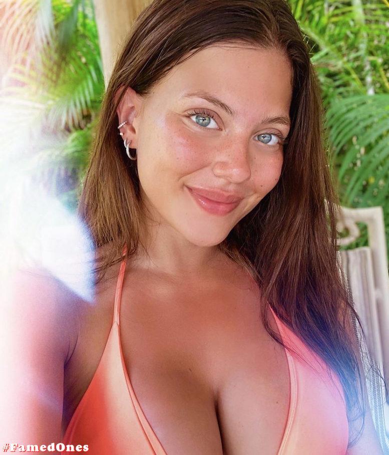 Laura Ortega hot bikini pics FamedOnes.com 004 20