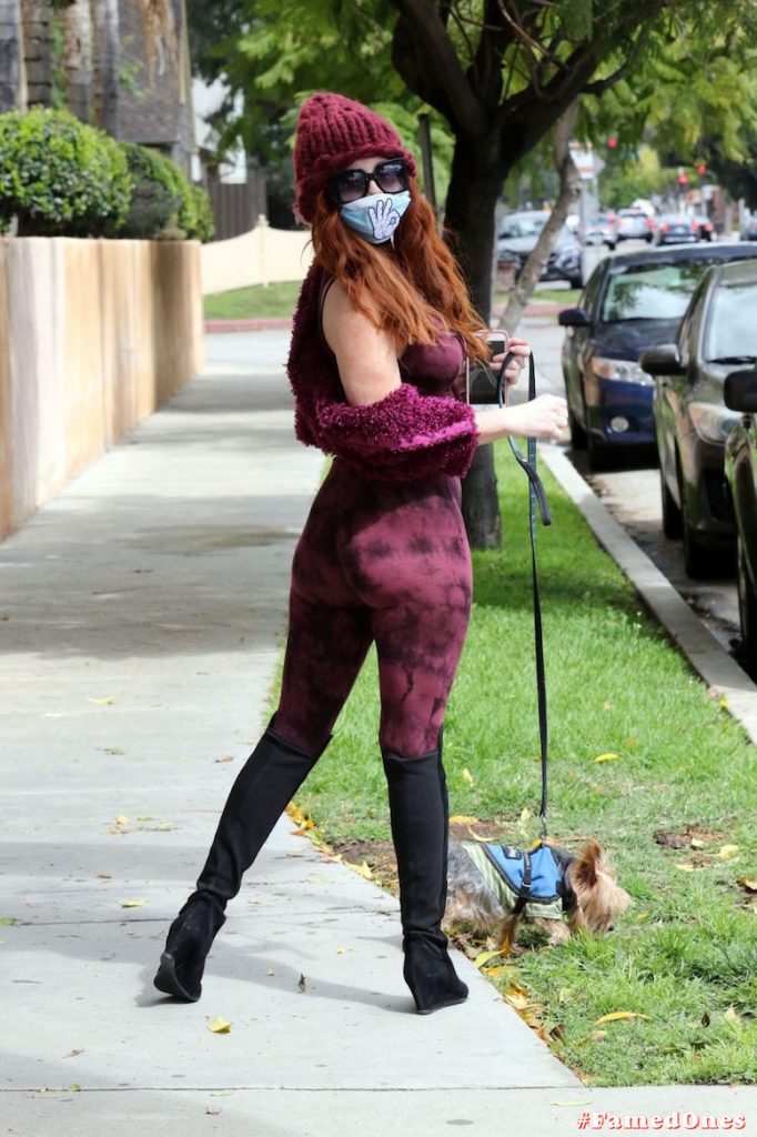 Phoebe Price nip slip fappening public pics FamedOnes.com 108 08