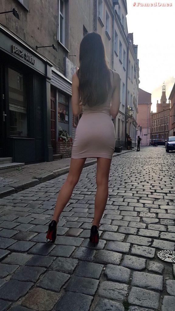 Ariadna Majewska sexy undressed private pics FamedOnes.com 012 04