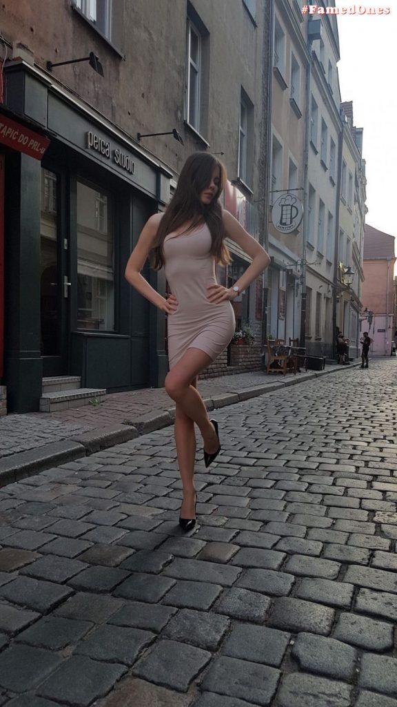 Ariadna Majewska sexy undressed private pics FamedOnes.com 012 05