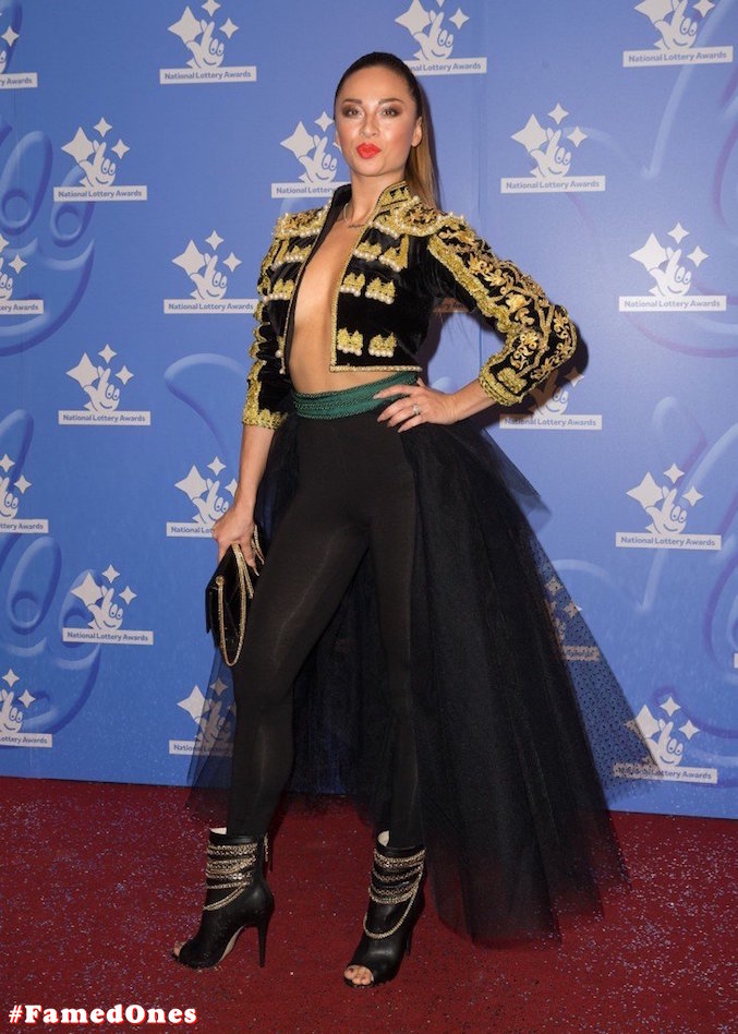 Katya Jones braless public pics FamedOnes.com 001 04