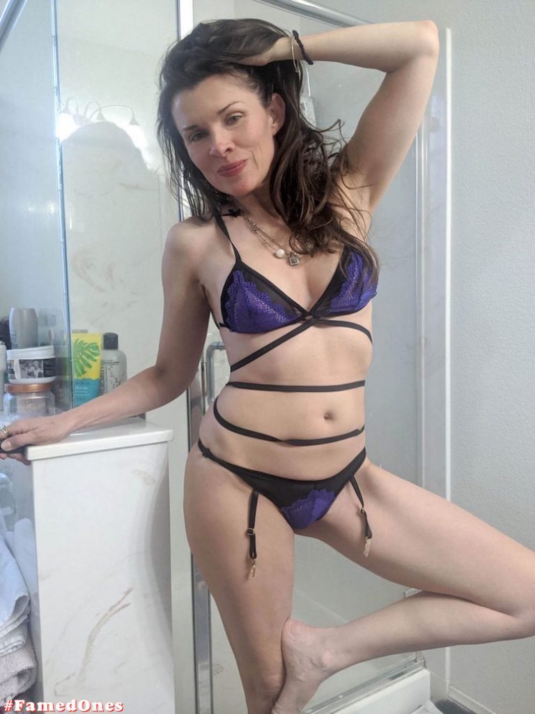 Alicia Arden hot bikini teasing fappening pics FamedOnes.com 042 07