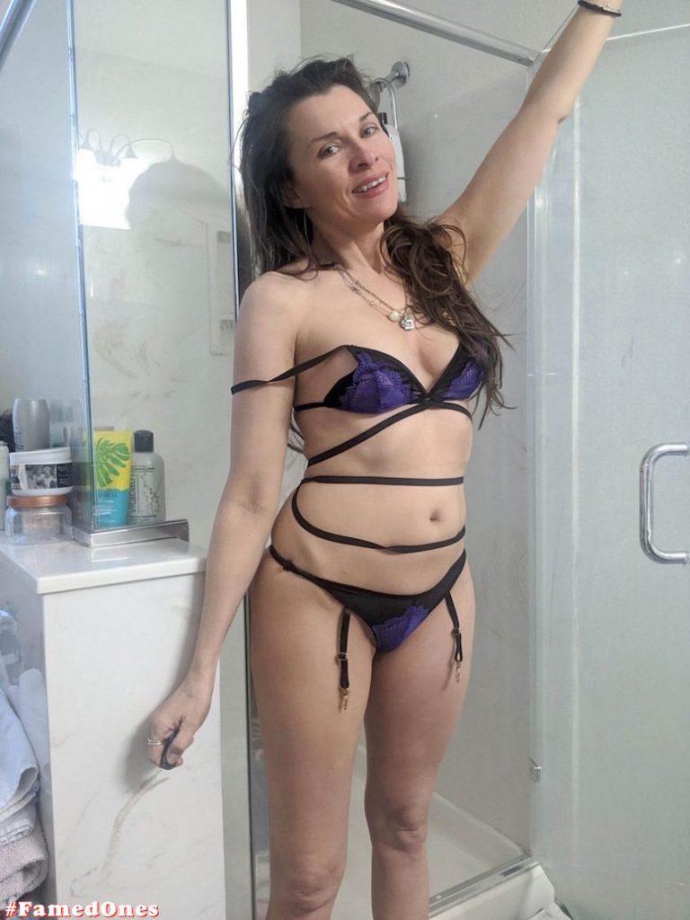 Alicia Arden hot bikini teasing fappening pics FamedOnes.com 042 09