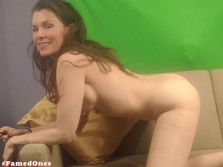 Alicia Arden nude posing fappening pics FamedOnes.com 044 12