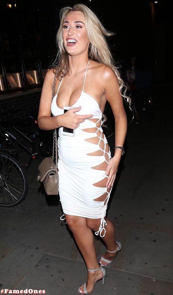 Rachel Fenton sexy cleavage fappening pics FamedOnes.com 002 02