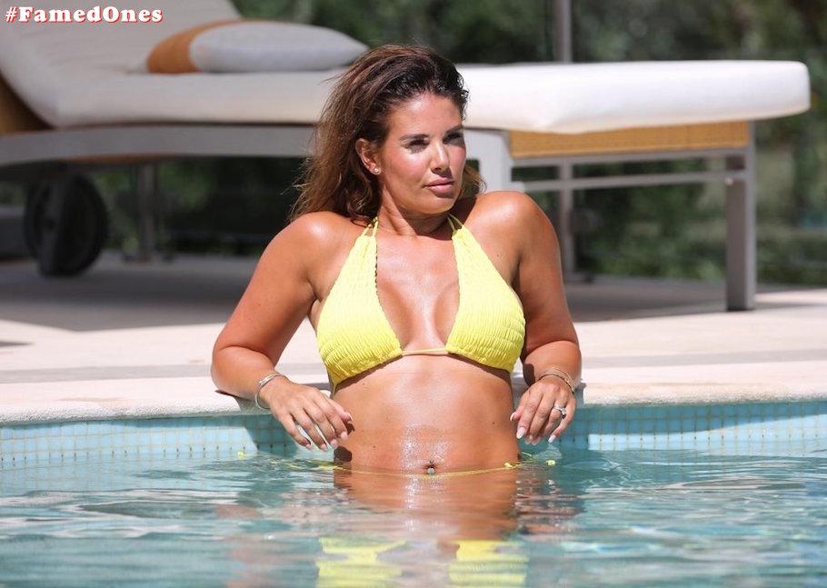 Rebekah Vardy hot bikini fappening pics FamedOnes.com 001 01