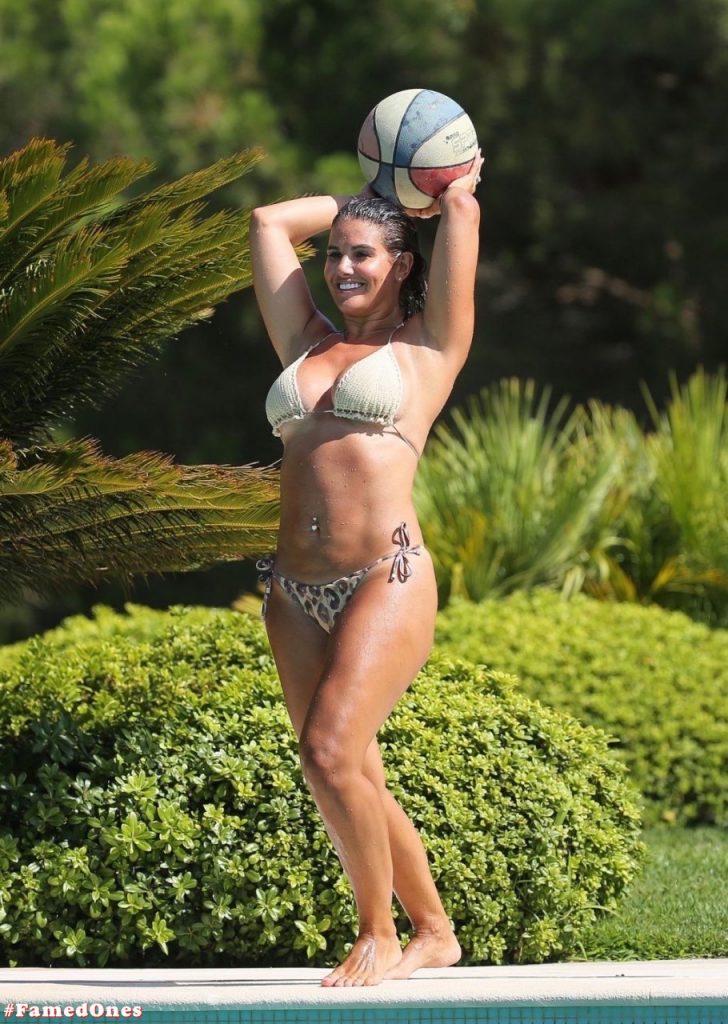 Rebekah Vardy hot bikini fappening pics FamedOnes.com 003 03