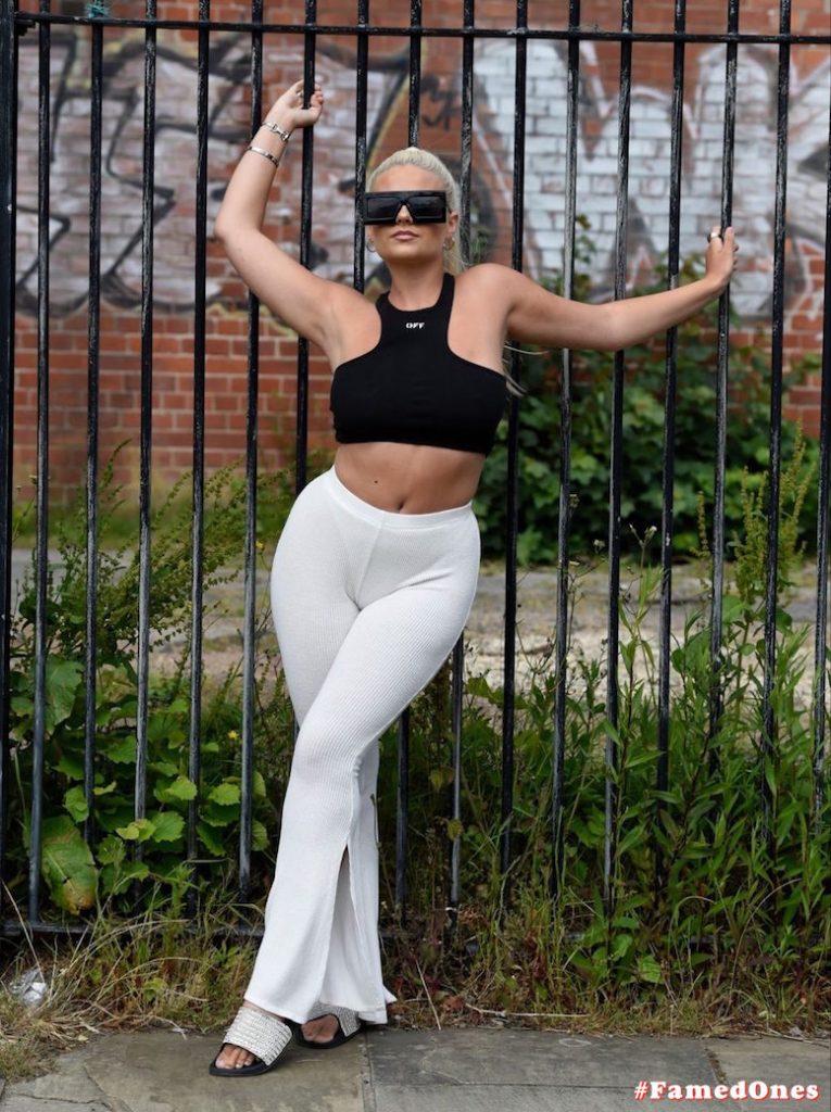 Apollonia Llewellyn sexy public fappening pics FamedOnes.com 004 32