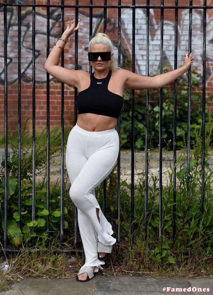 Apollonia Llewellyn sexy public fappening pics FamedOnes.com 004 35
