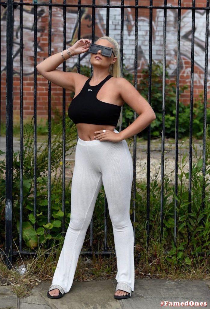 Apollonia Llewellyn sexy public fappening pics FamedOnes.com 004 44